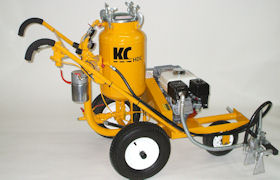 Pressure cleaner for automatic tip flush